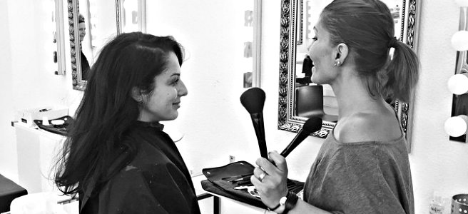 Stilsicher Schminken lernen mit individueller Make-up Beratung (Bild: wasanziehen.com)