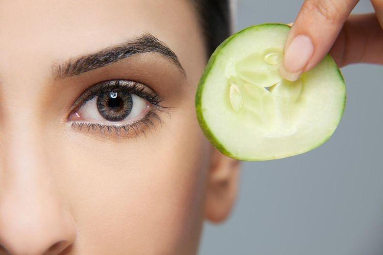 Augenpflege: Tipps für gestresste und trockene Haut
